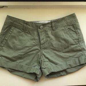 Aéropostale midi twill shorts